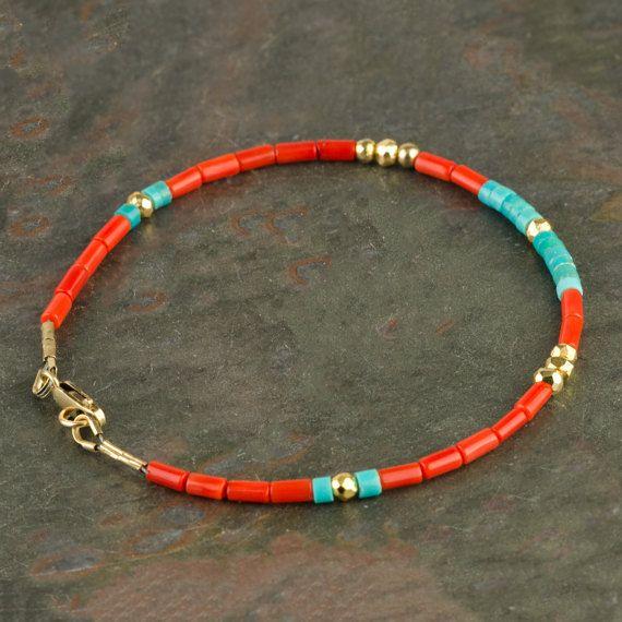 Pulsera heishi azul azul azul azul turquesa y coral rojo genuino con relleno de oro de 14k, pulsera de piedra preciosa de coral real hecha a mano, pulsera delgada multicolor
