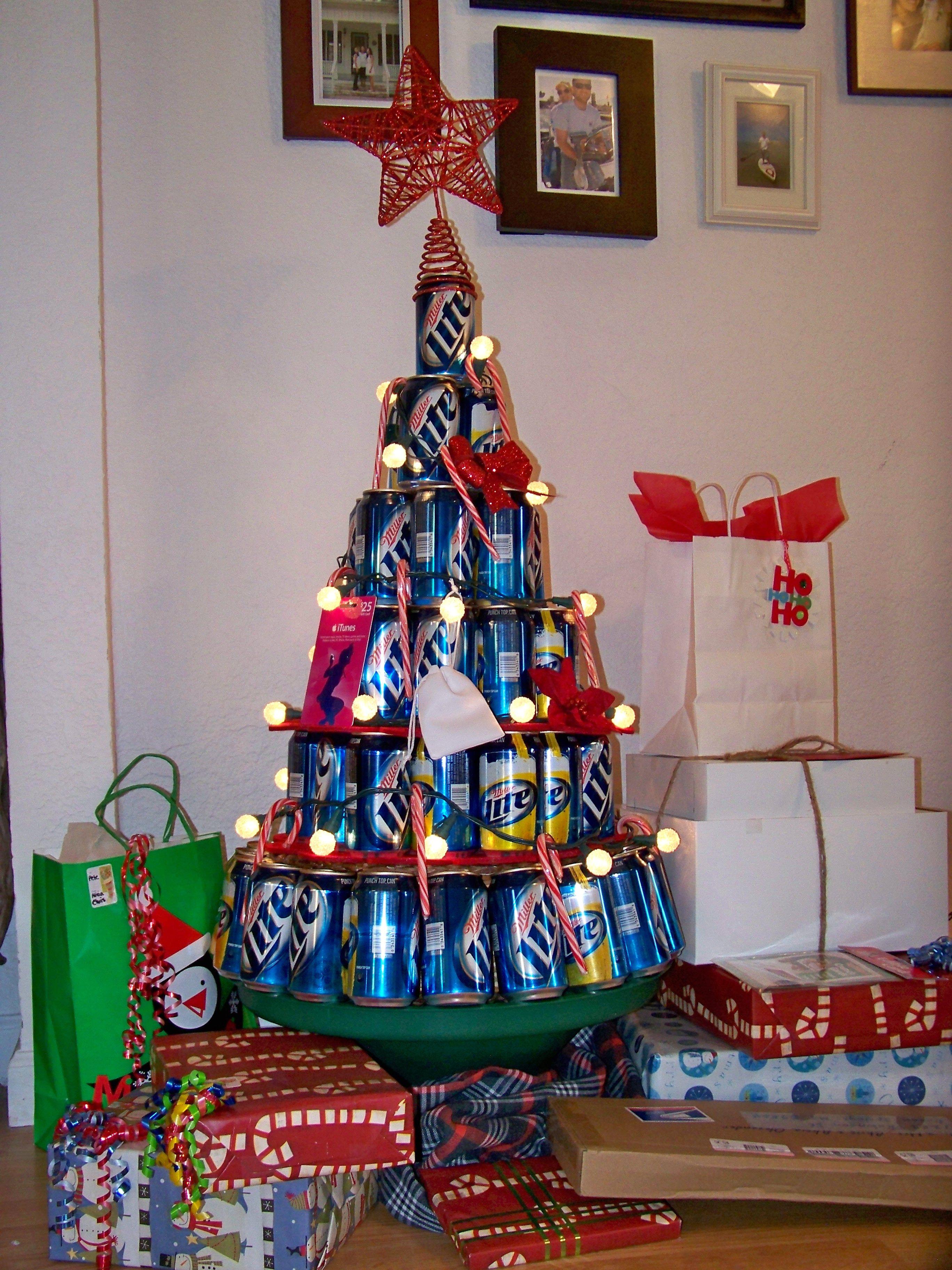 2012 Christmas tree.. keeping it classy!   Natal