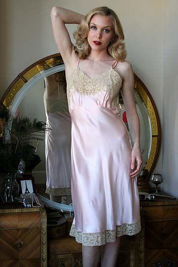 On Dollhouse Bettie: 40s Vintage Fischer Pink Sweetheart ...