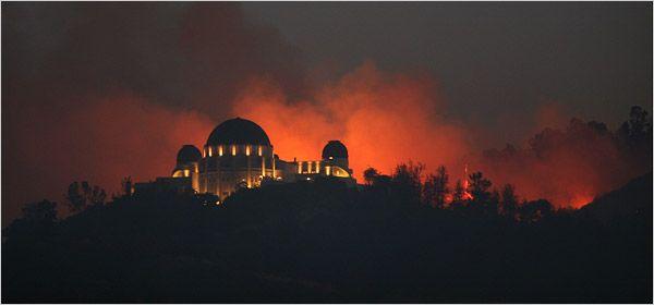 Fire Chars Part Of Major Los Angeles Park Los Angeles Parks Griffith Park Park
