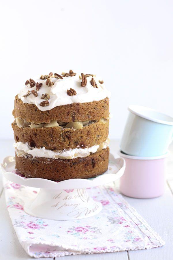 Naked cake de nueces caramelizadas y peras
