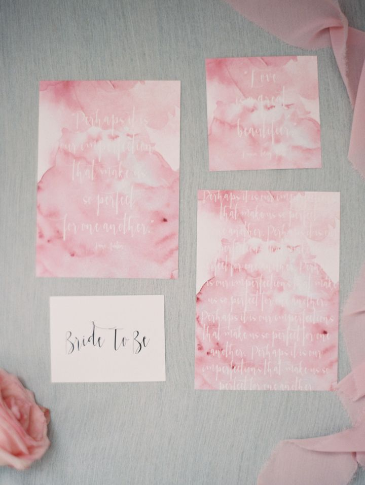 Pink bridal shower invitations | fabmood.com #bridalshower #bridalshowerinvites #watercolor #pink
