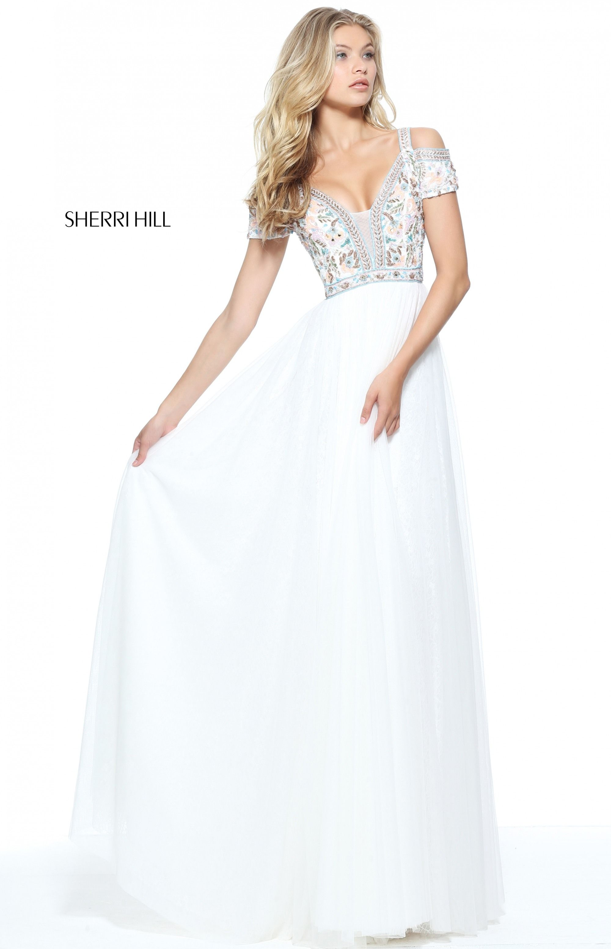 Sherri hill international prom association things to wear