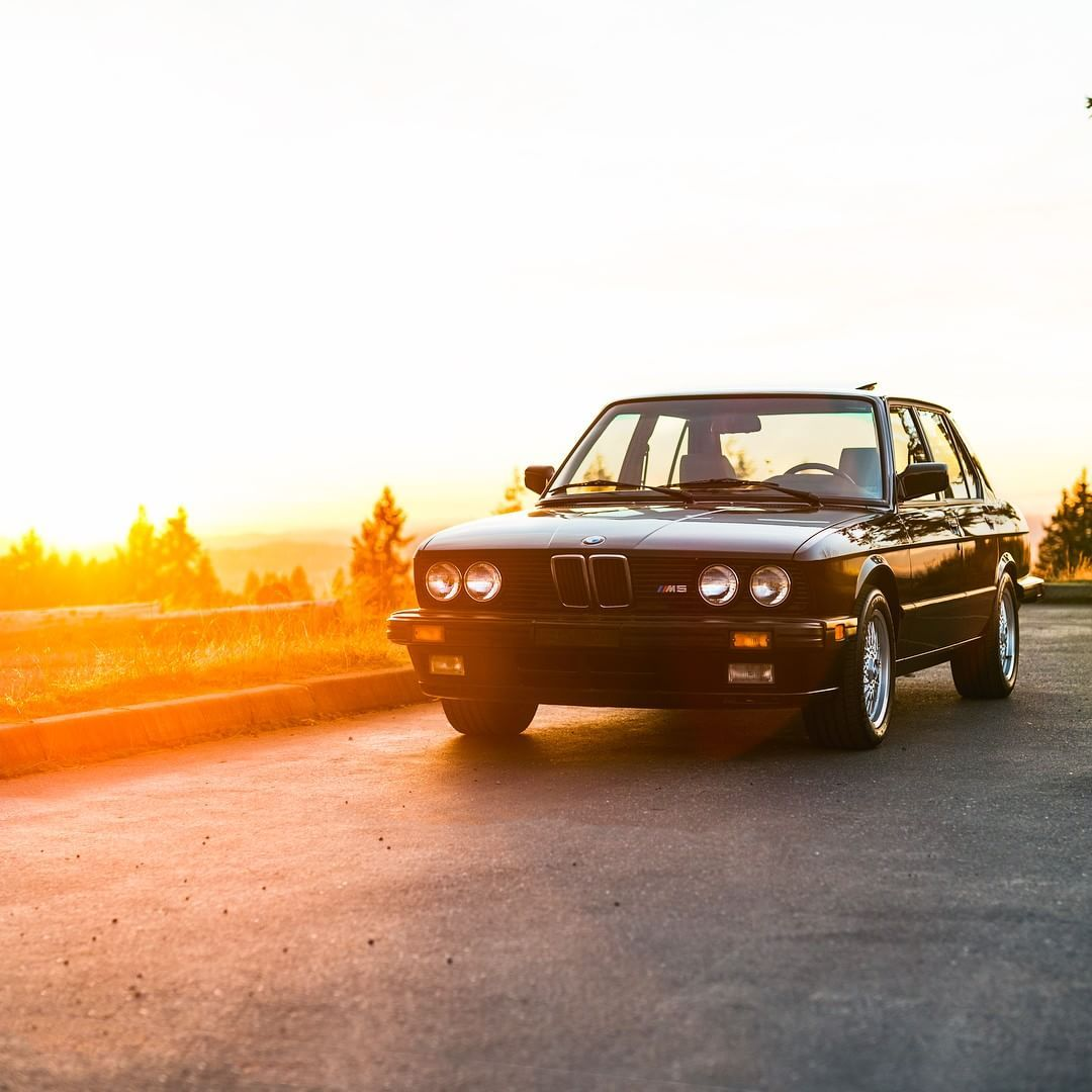 Bmw E28 M5 Black Sunset With Images Bmw Bmw E28 Bmw E36