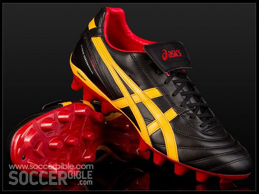 Asics Boots Red