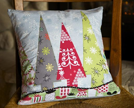 DIY Holiday Trees Pillow Cover Instructions: ://weallsew.com/2014 & DIY Holiday Trees Pillow Cover Instructions: http://weallsew.com ... pillowsntoast.com