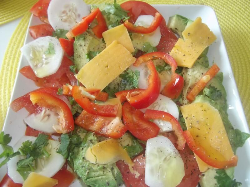 Salada de Tomate e Abacate à Moda Texano