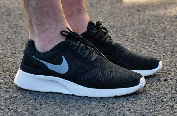 Nike Kaishi – Black   White  9a9364faa