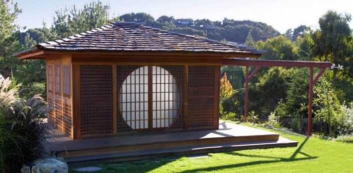 Bill Arnett S Roll Off Roof Japanese Teahouse Style Ptolemy S Cafe Japanese Style House Futuristic Architecture Tea House Design