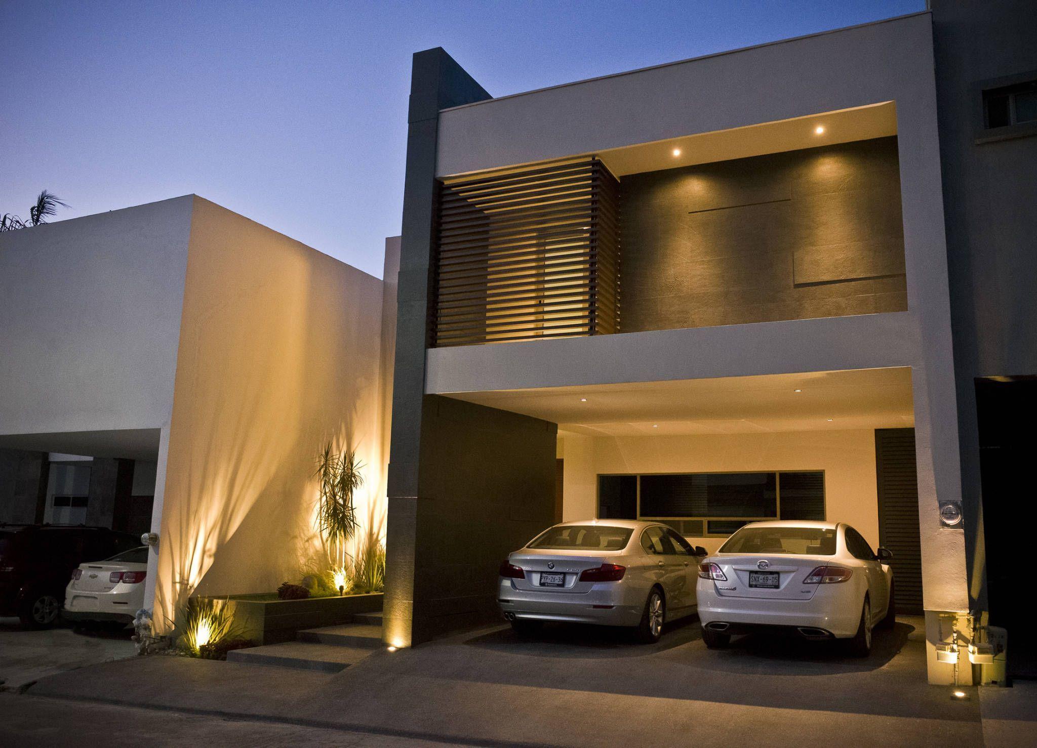 Fachada principal casas de estilo por fc3arquitectura for Fachadas de casas bonitas y modernas
