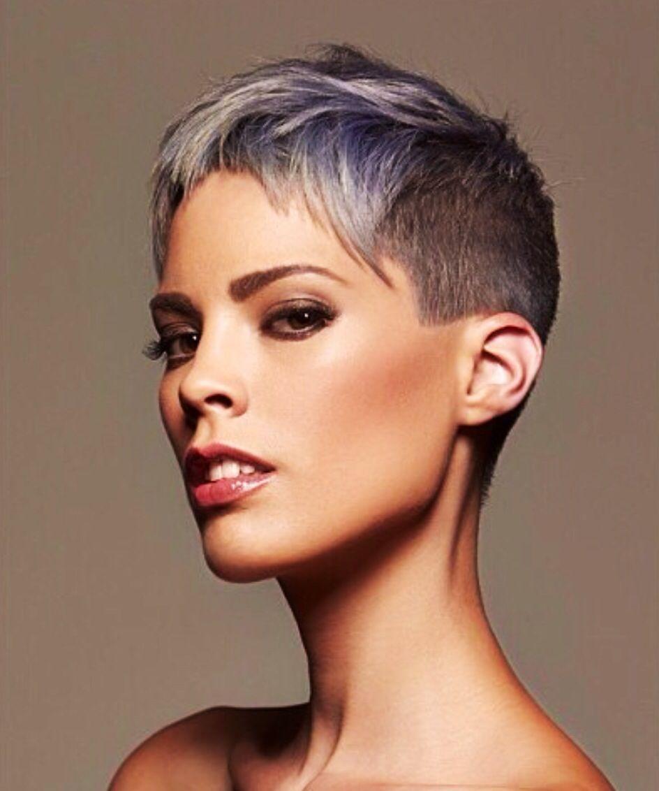 Edgy Cool Hairdare Womenshaircuts Hairstyles Beauty Womenshair Shorthair Super Short Hair Short Hair Styles Short Grey Hair