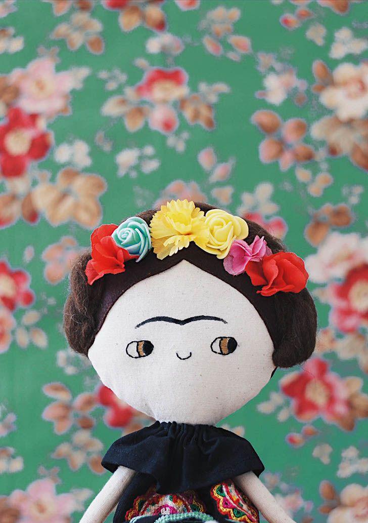 Frida Kahlo Doll by Lelerele http://petitandsmall.com/frida-kahlo-doll-lelerele/