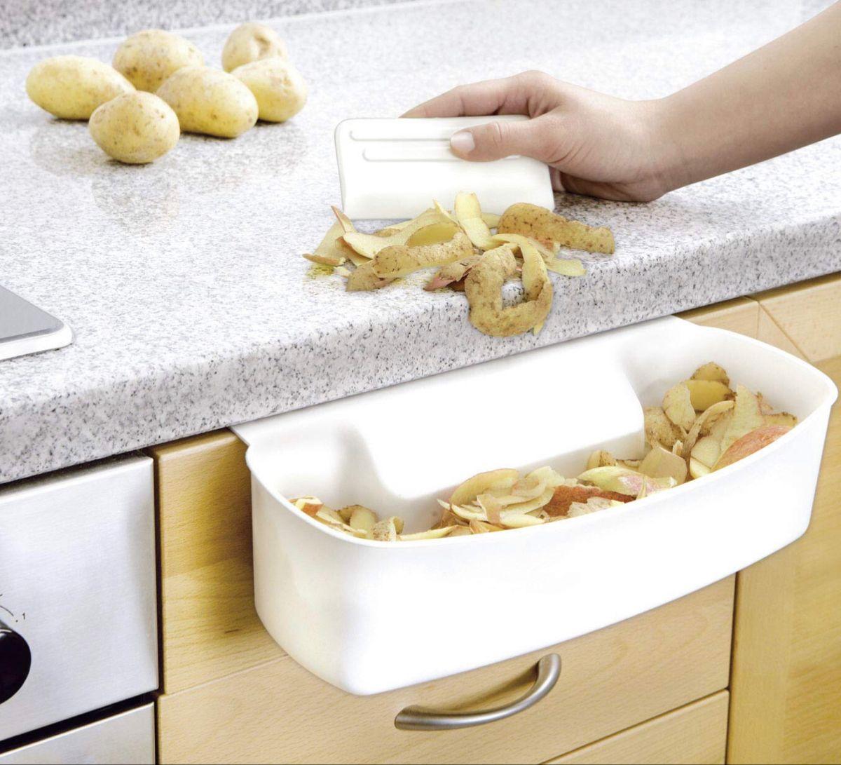 Super #praktisch , die Auffangschale mit Schaber für Küchenabfälle