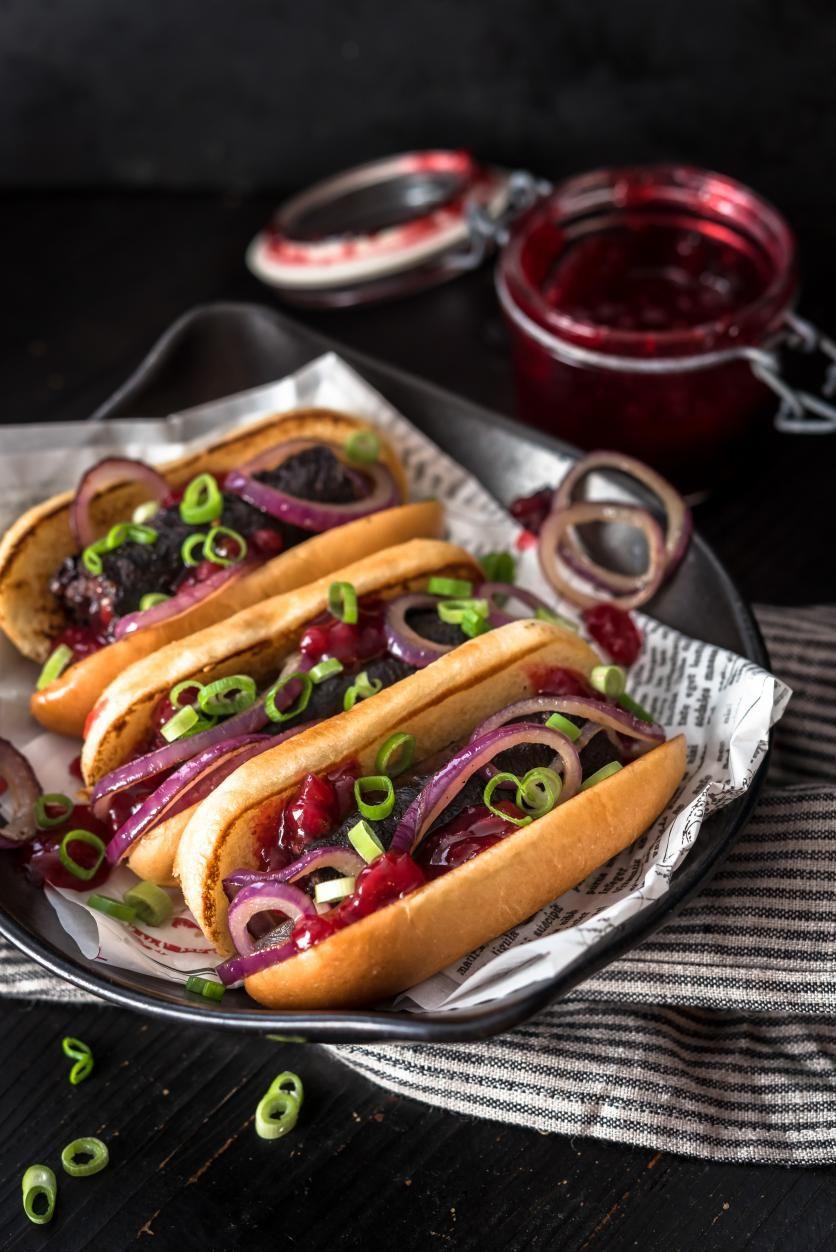 Mustamakkara Hot Dog