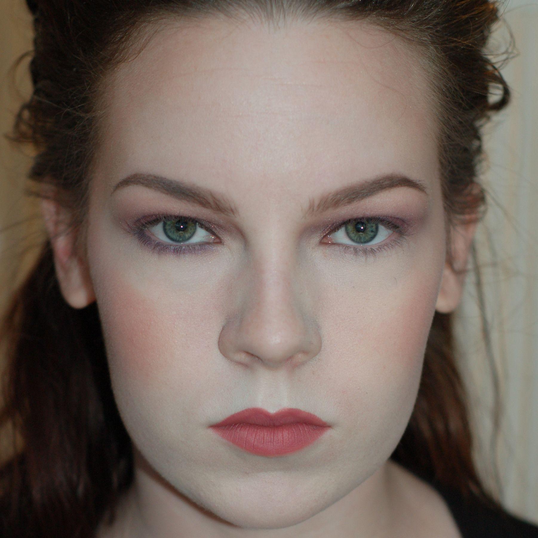 Imgur Hooded eyes, Hooded eye makeup, Eye makeup images