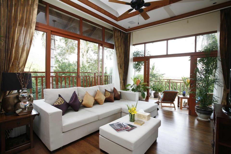 Wonderful 25 Classic Tropical Living Room Designs