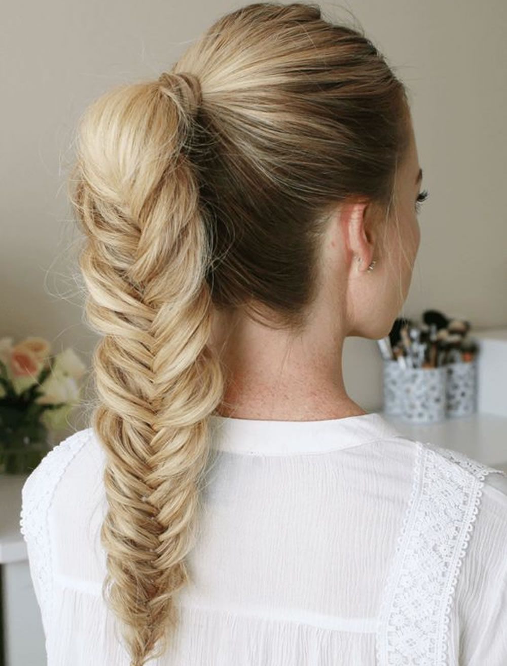Best Hairstyle To Try For Thanksgiving Day In 2020 Hairstyles For School Fishtail Ponytail Hair Styles