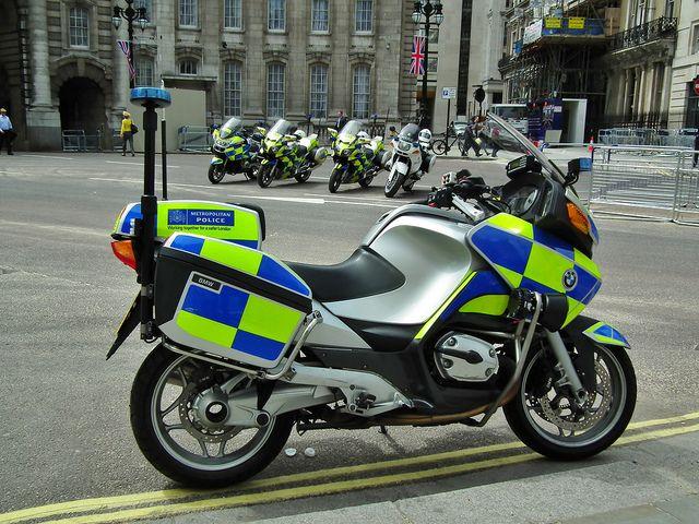 Met Police Bmw R1200rt Service Motorbikes Bmw Bike Bmw Bmw