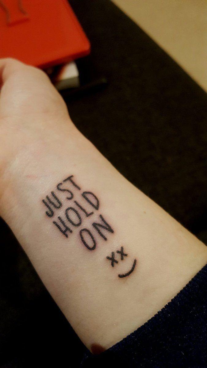 Louis Tomlinson Smiley Face Tattoo: Pin De Steph En ╰ ︎ ˳tᥲtt᥆s . ⸙͎