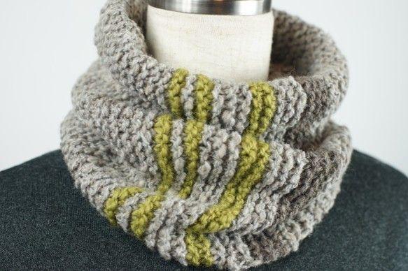 素材:羊毛(メリノ ・コリデール)使用糸量:95gフリーサイズ:長さ29㎝手紡ぎ糸の暖かさを体感して頂きたくて・・・。柔らかで優しい風合いです。メリノのナチュ...|ハンドメイド、手作り、手仕事品の通販・販売・購入ならCreema。