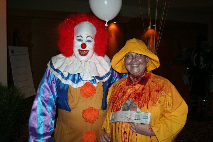 pennywise and georgie denbrough from it dragoncon 2010 clowns