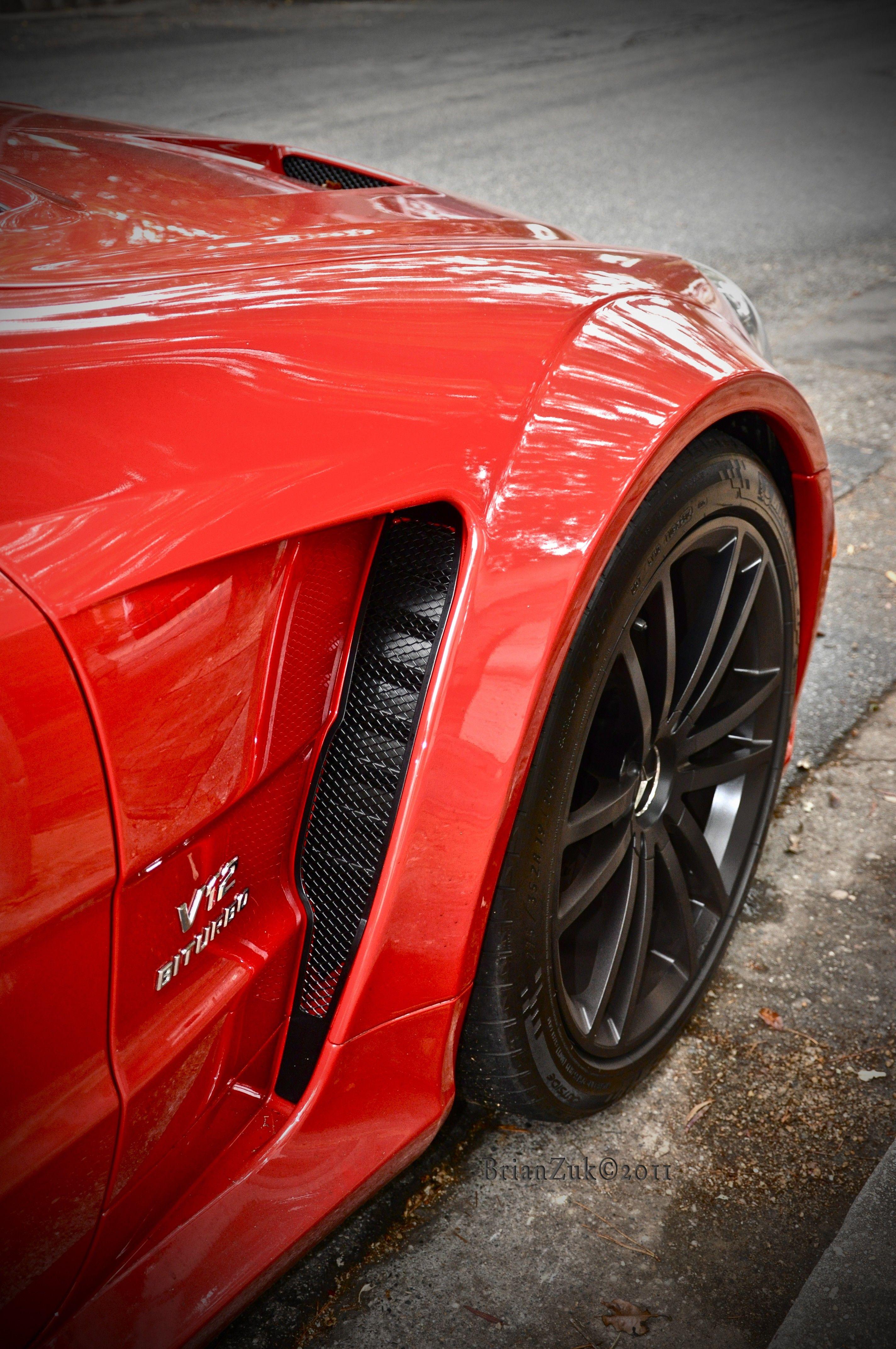 Brianzuk Spots An Absolutely Stunning Red Mercedes Sl65