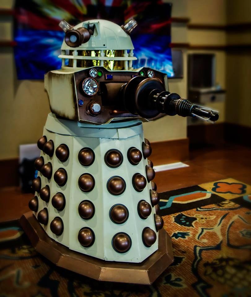Pin Daleks Cybermen & Sontarans