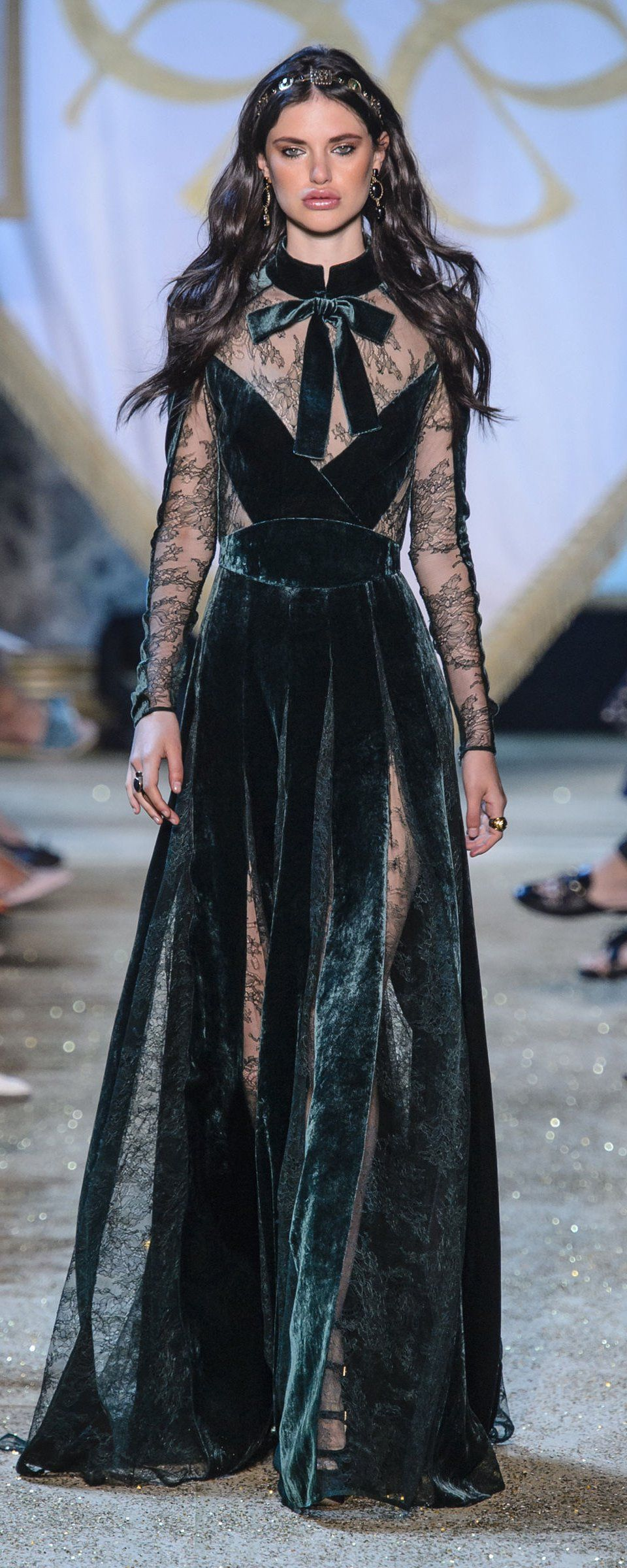 Elie Saab Fall-winter 2017-2018 - Couture - http   www 465e6c25b02d8