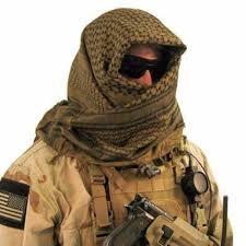 Vestimenta De Hombre Palestino Buscar Con Google Tactical Clothing Survival Clothing Shemagh Scarf