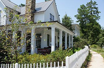 Traditional Farmhouse Style Home