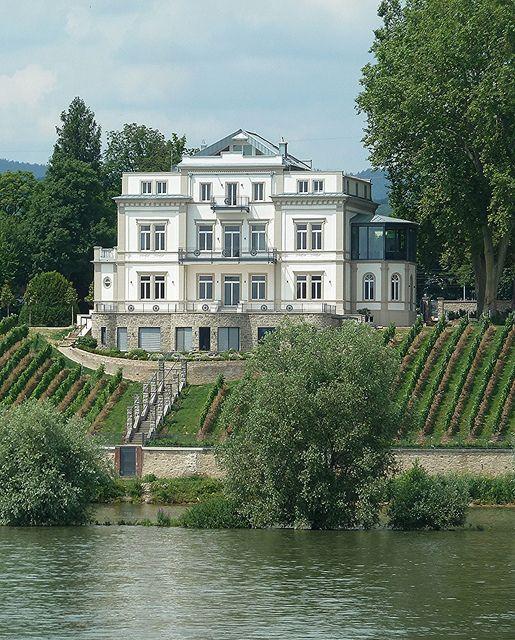 Eltville Am Rhein Just West Of Mainz Germany Rhine River Mansion In Explore 11 17 13 151 Eltville Am Rhein Reisen Allgemein Mainz