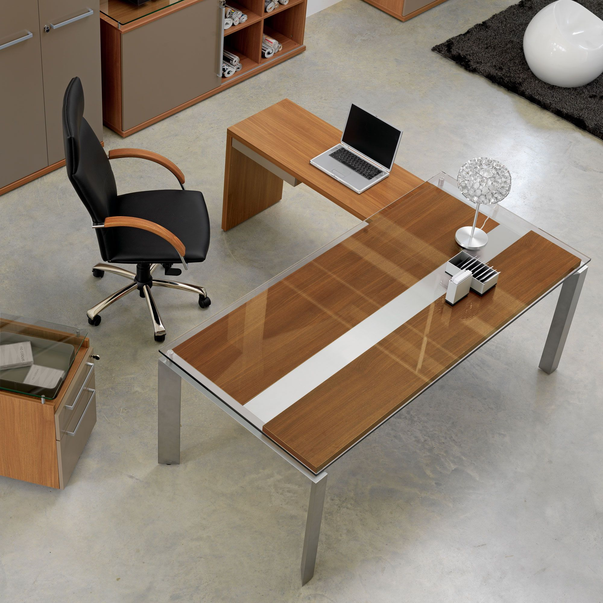 bureau d 39 angle en bois m tal et verre gautier office. Black Bedroom Furniture Sets. Home Design Ideas