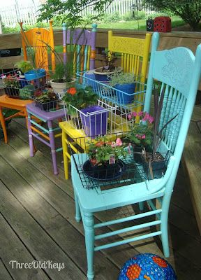 ThreeOldKeys: Garden Chair Planters - My Version