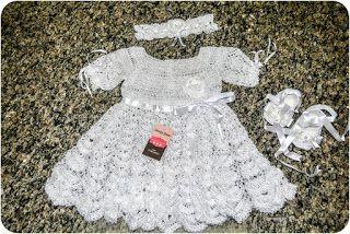 Sandra Roque Artesanatos: vestidinho branco com sapatinho bailarina e tiara