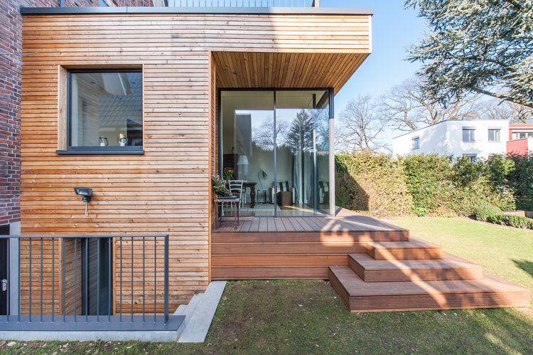 Holzanbau auf einem roten Klinkerhaus aus den 20er Jahren – HH Alsterdorf – Architekt Abd Rab …   – HOME