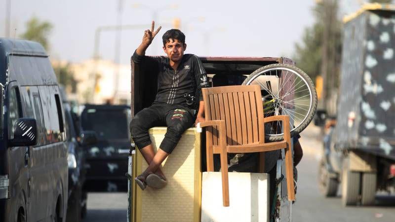 Mosul na de bevrijding: 'de rook is weg, de dreiging niet' | NOS