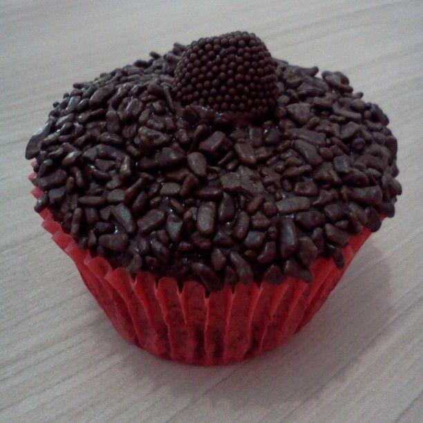 Cupcake de Brigadeiro com Cascalhos de Chocolate