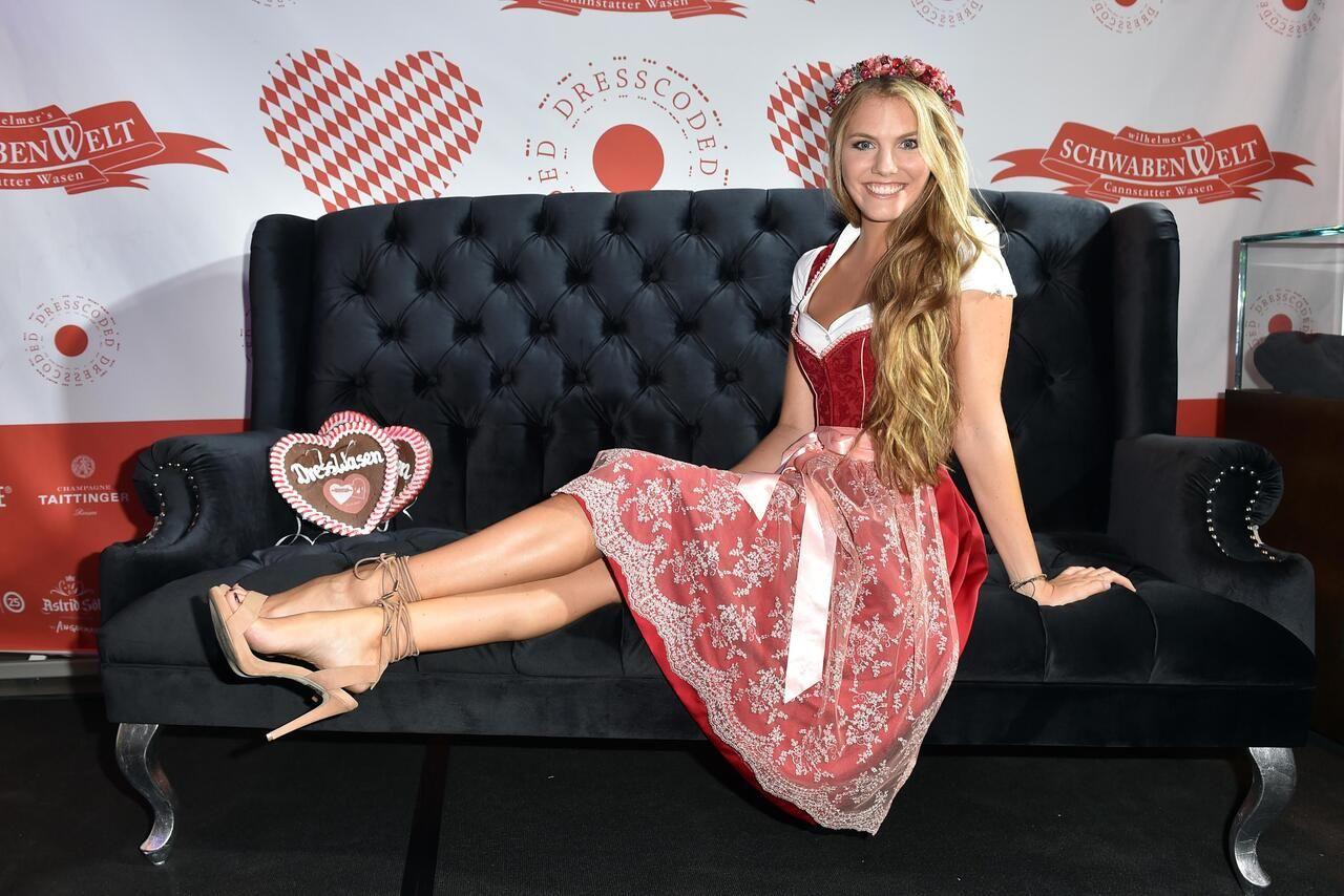 Bild zu Viviane Geppert   Dirndl, Traditionelle kleider