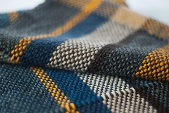 Sciarpa tessuta a mano in misto lana multicolore di TheWovenSheep, €39.00