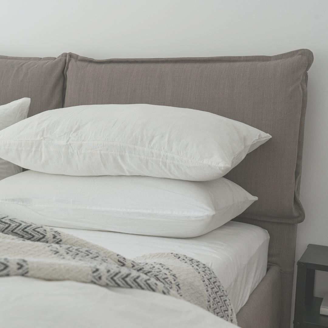 Sleepauthorities Posted To Instagram Ever Struggled Falling Asleep Due To An Uncomfortable Bed Pillow We V In 2020 Pillow Cases White Pillow Covers White Pillows