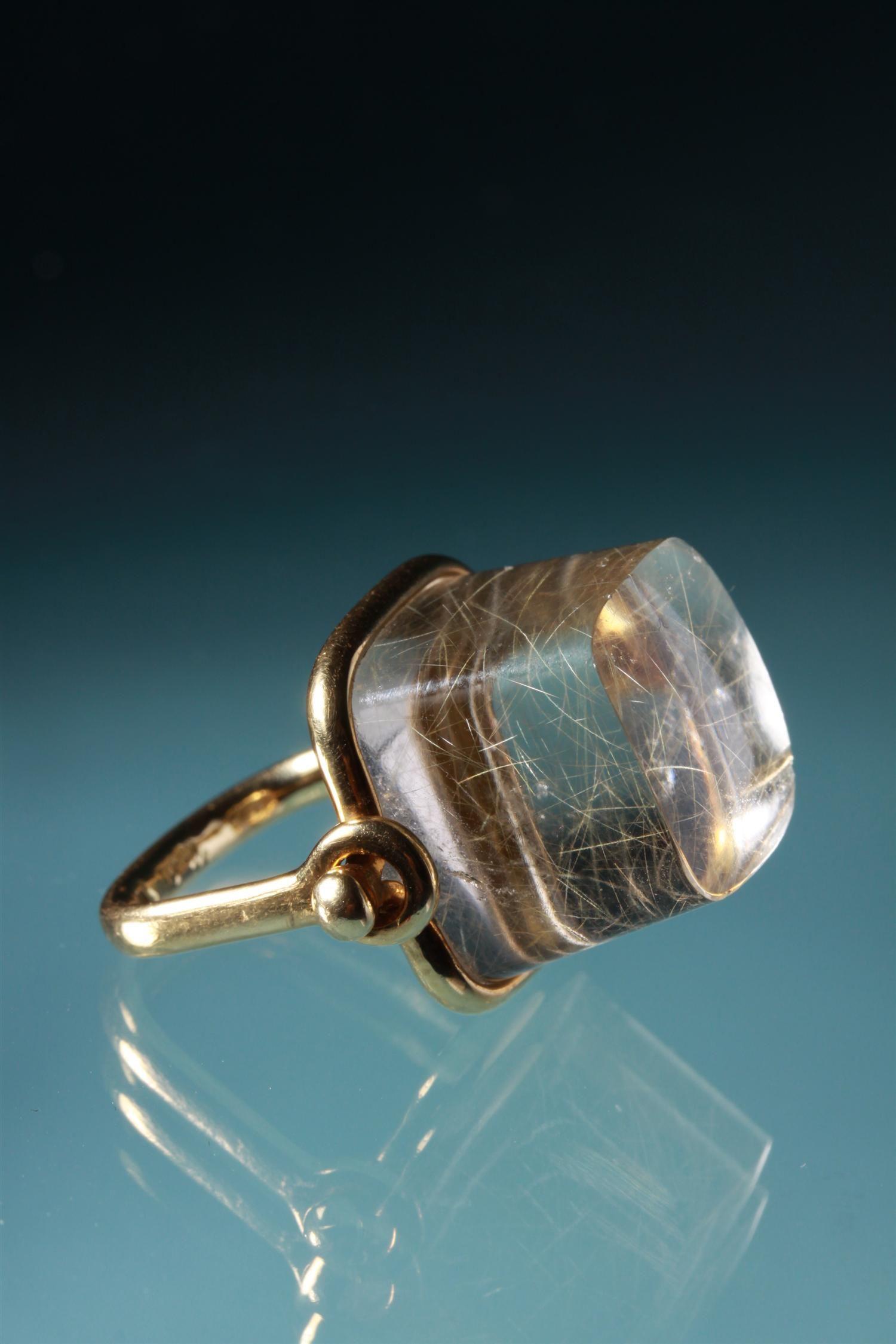 Ring designed by Vivianna Torun Bülow Hübe 1960s 18 ct gold and