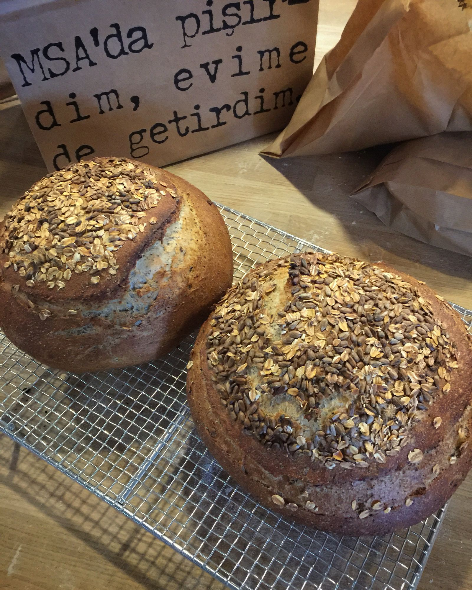 Çok tahıllı köy ekmeği
