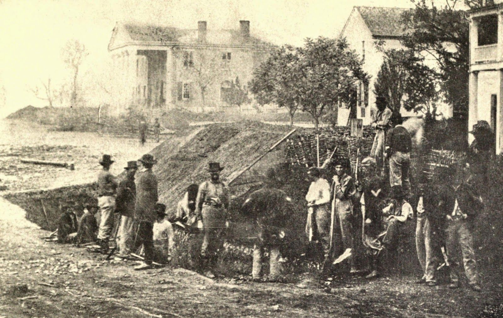 Union Soldiers Building Fortifications In A Street In Decatur Alabama 1864 Image From Miller S Photogr Union Soldiers Civil War Photos Civil War Confederate