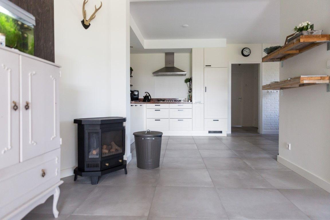 Inspiratie Witte Keuken : Woonkeuken keuken landelijk witte keuken hout grijze