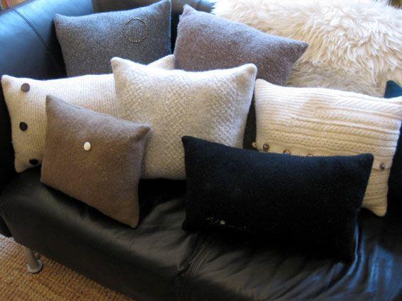 Pulloverkissen // Swester pillows by Die Raumfee