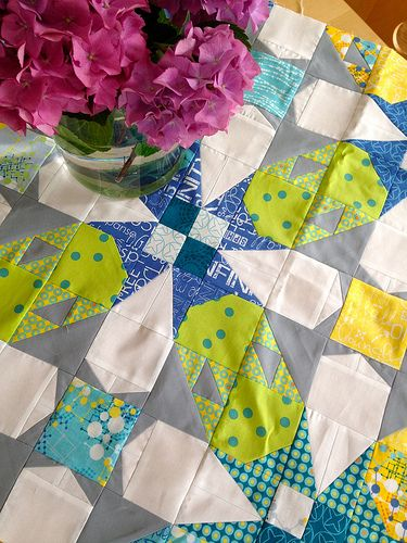 Mysteryquilt bei Quilter's Garden using Spere and Barcelona fabrics by Zen Chic