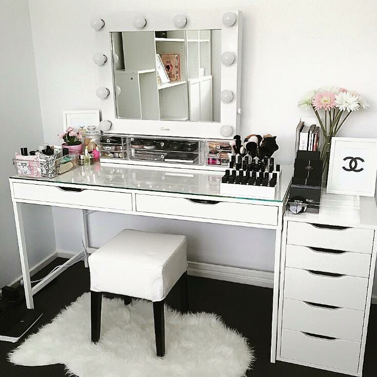 Pin by brooklyn breann on makeup studio storage pinterest schminktisch ankleidezimmer and - Table coiffeuse ikea ...