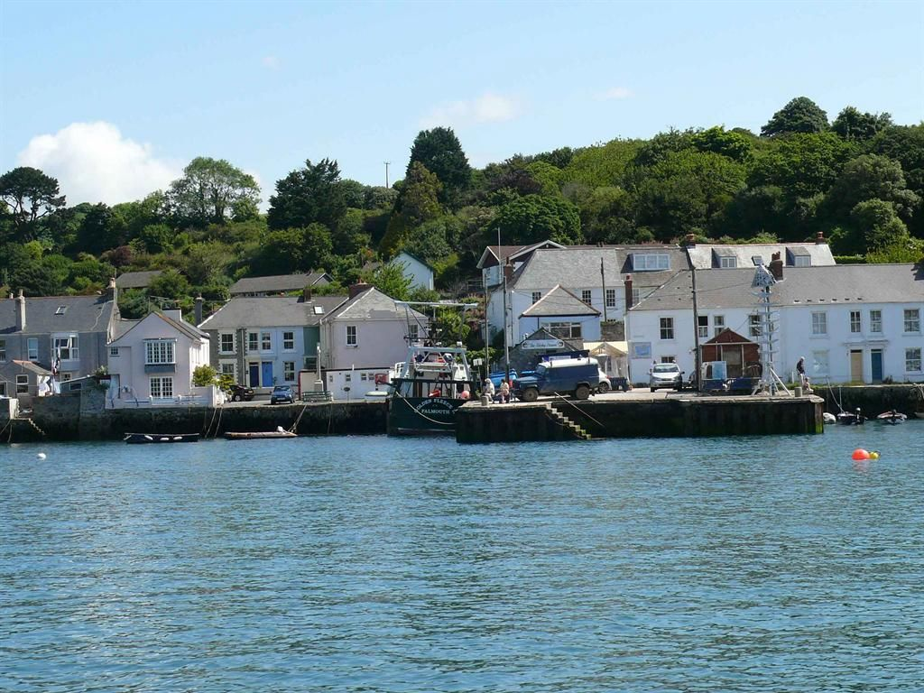 Private Holiday Accommodation In Flushing Nr Falmouth Cornwall