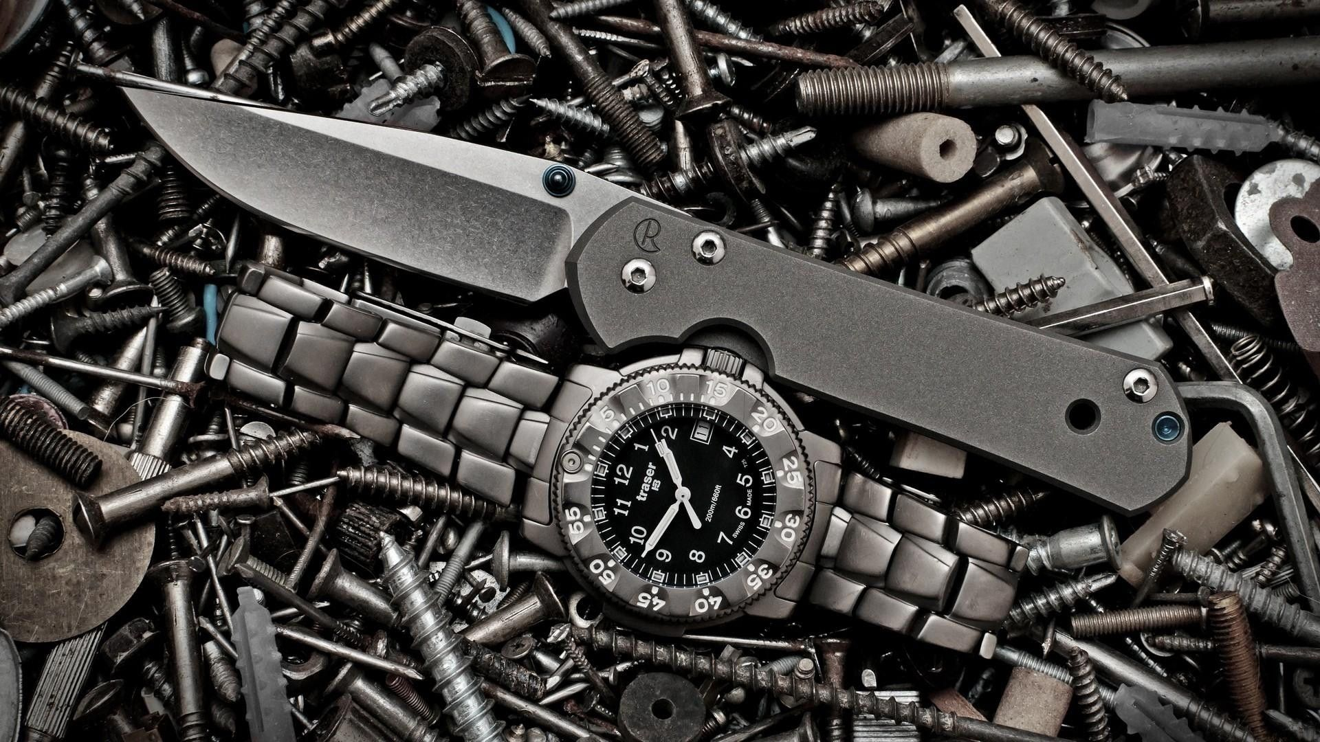 Black Knife and Watch High Quality Photo Guns wallpaper