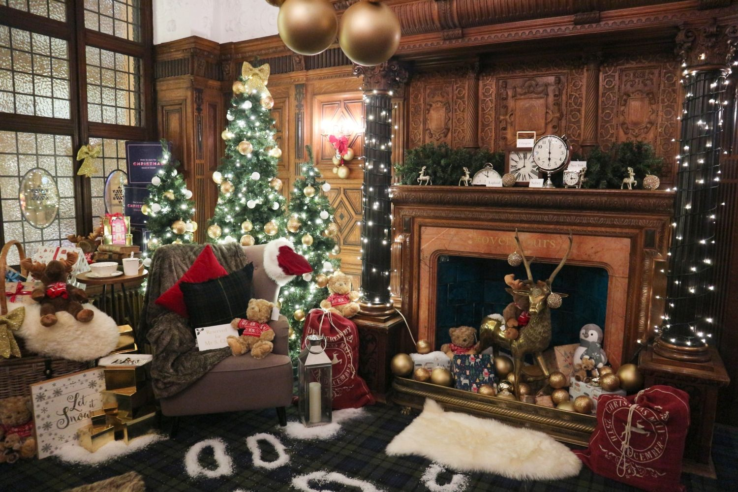 What To Do In Glasgow At Christmas Ellis Tuesday Christmas Lodge Cosy Christmas Christmas Decorations